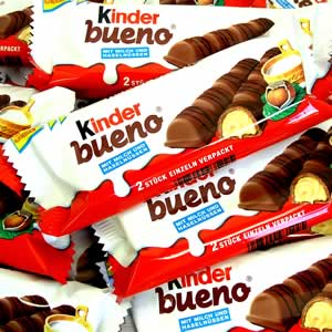 http://www.freesamples.co.uk/wp-content/uploads/2012/07/Free-Kinder-Bueno.jpg