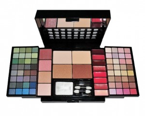 Travel Cosmetic 86 Piece Beauty Palette Train Box Make Up Gift Set Kit 300x240 Free Makeup Palettes