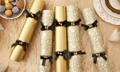 Win Luxury Celebration Christmas Crackers